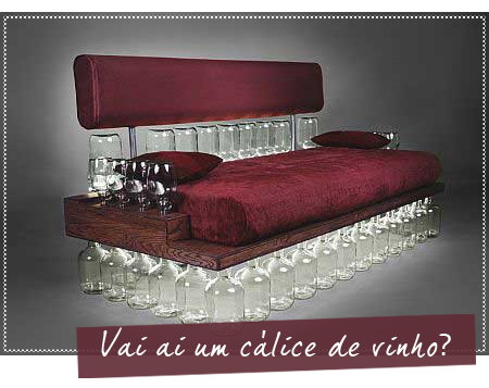 Reciclagem sof de garrafas de vinho estofados jardim for Sofa reciclado