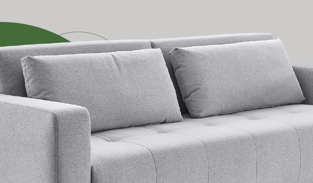 as duplas almofadas soltas do sofá adam