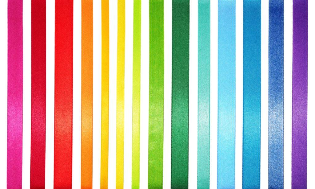 fitas com cores enfileiradas em escala de temperatura das cores